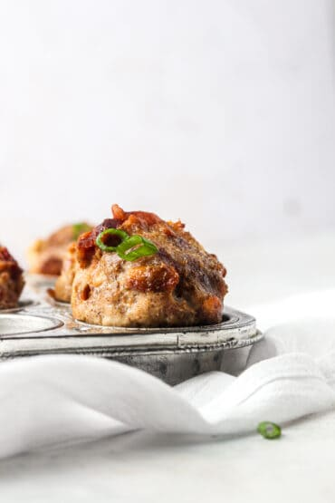 AIP Breakfast Muffins With Bacon & Apples (Paleo, Whole30)