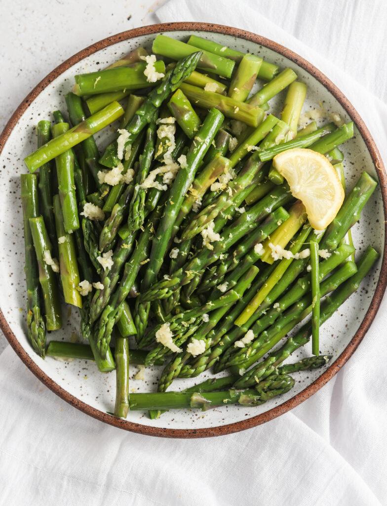 lemon garlic asparagus on a plate