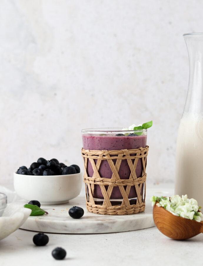 Strawberry Blueberry Smoothie (Dairy Free)