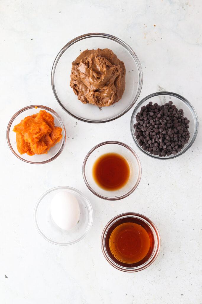 gluten free pumpkin cookies ingredients in bowls